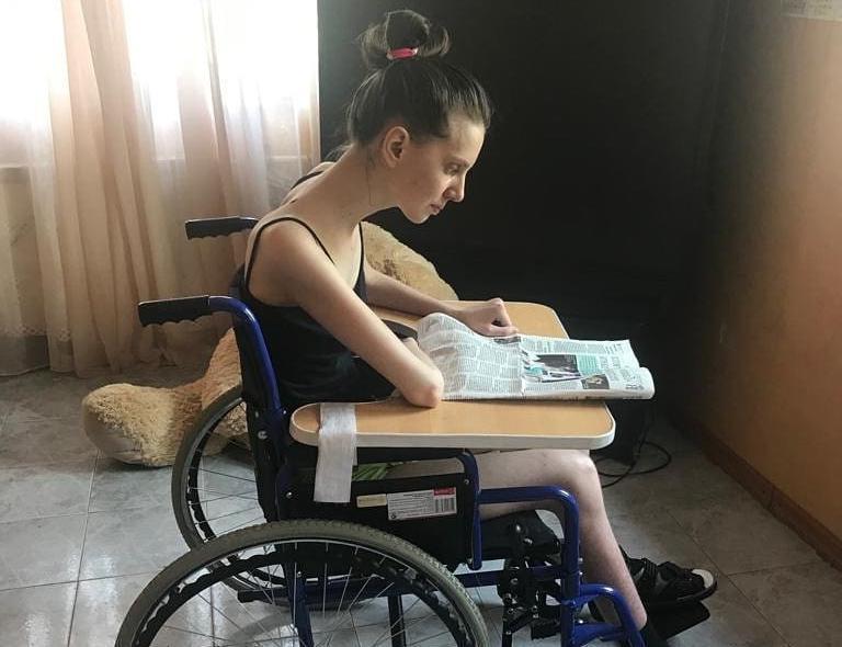 Катя Бондаренко из Новороссийска уверенно идёт на поправку: начала читать