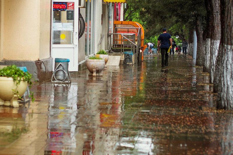 Топит Новороссийск не только дождь