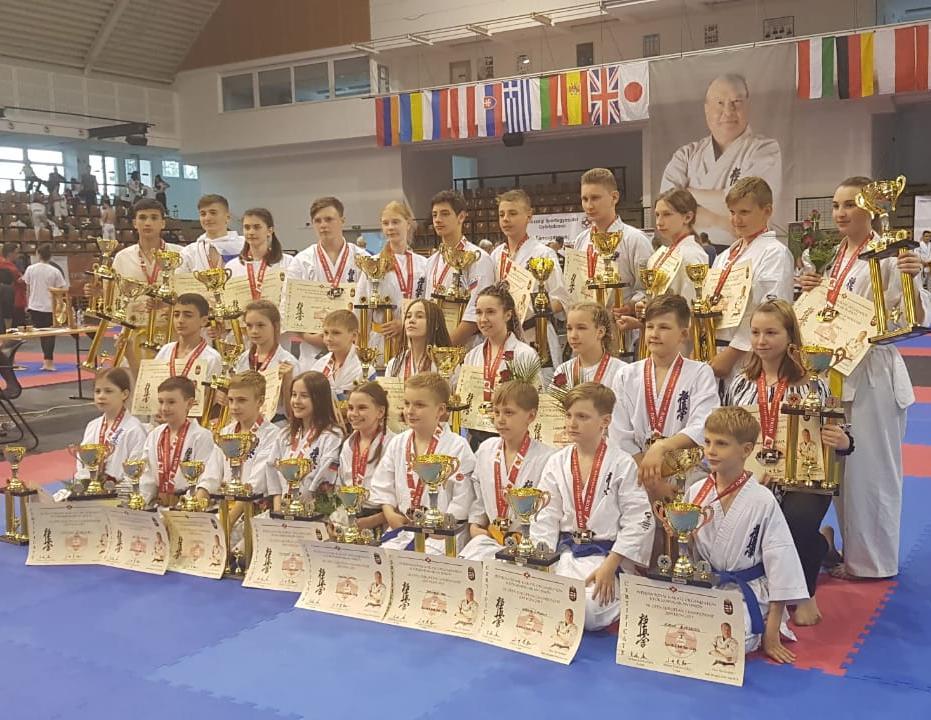 Медали из Будапешта привезли спортсмены в Новороссийск