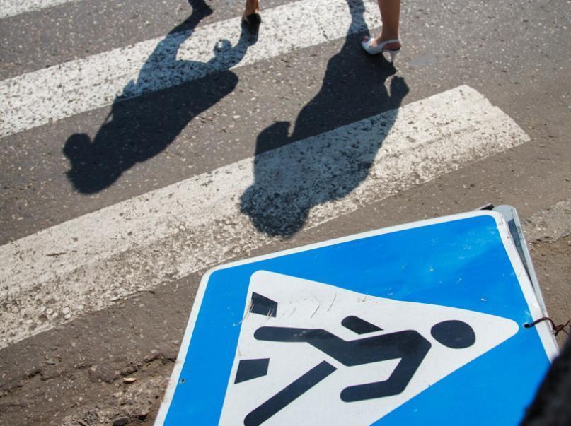 Двух пешеходов сбили в Новороссийске течение суток