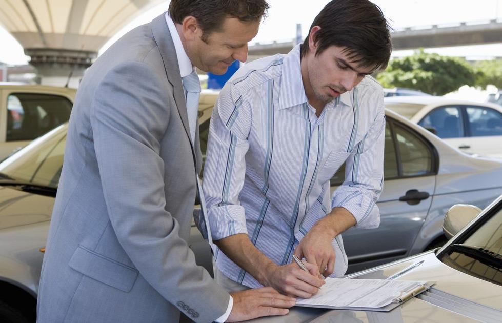Мошенничество у капота: как продать авто и не остаться без денег