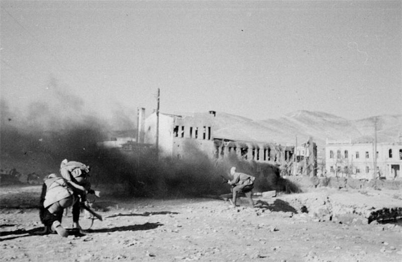 17 апреля 1943 года в Новороссийске. На 75 лет назад