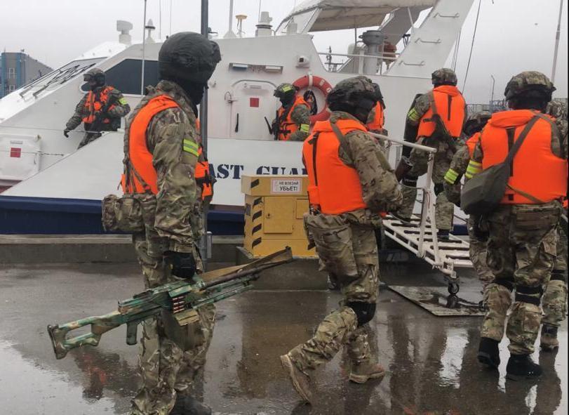 В Новороссийске отработали спасение заложников, захваченных возле Турции