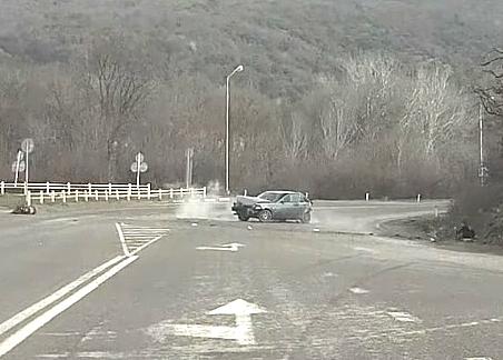 ДТП с последующим десантированием произошло в пригороде Новороссийска