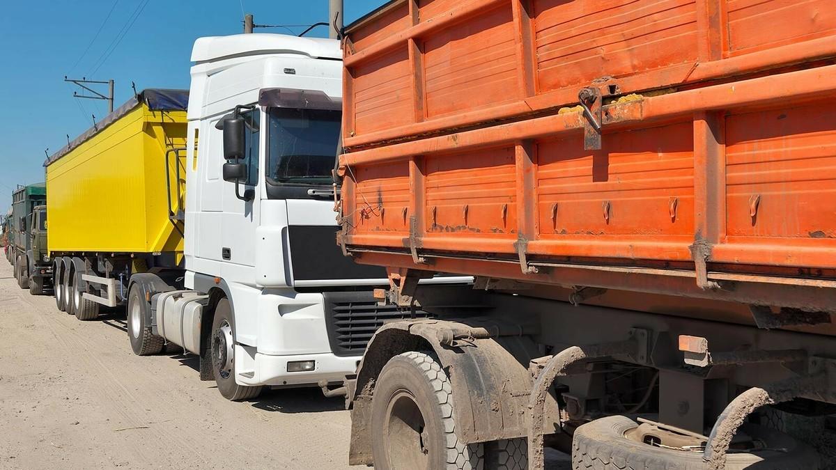 Тяжеловесному транспорту закроют дорогу в Новороссийск