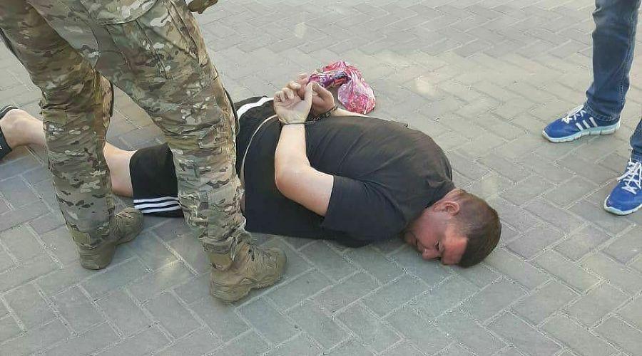 Полицейского из Геленджика арестовали за огромную взятку
