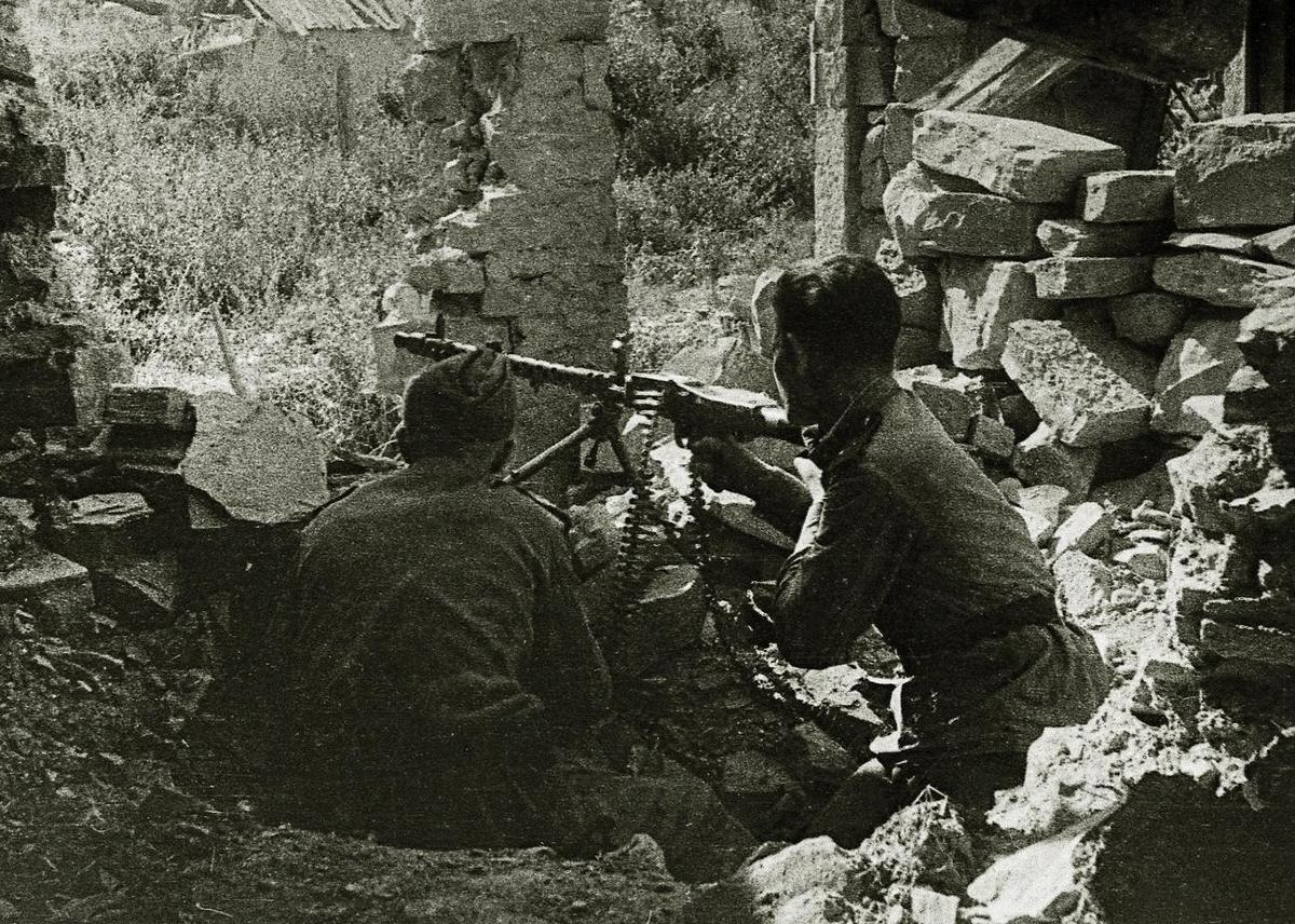 Новороссийск 75 лет назад: бой вокруг кабанчика