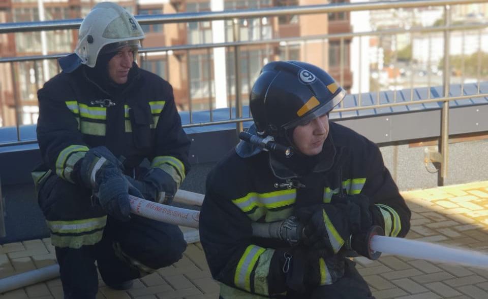 Пожар в высотке - новороссийские огнеборцы знают, что делать