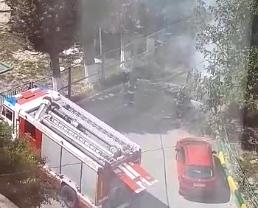 - Задача пожарных – защищать нас от дебилов, которые палят траву, - житель Новороссийска