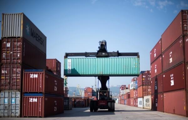 Новороссийский морской торговый порт уступил Санкт-Петербургу, но обороты наращивает