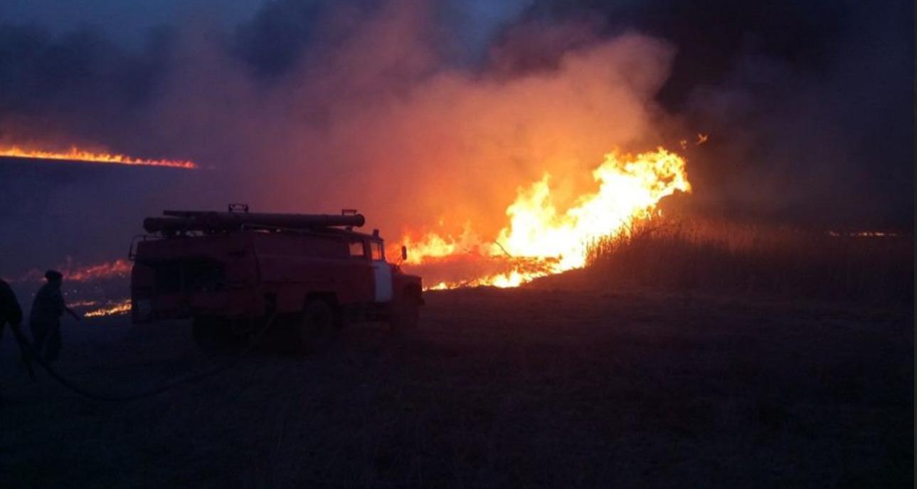 Новороссийцы зажгли так, что пожарным пришлось час тушить последствия