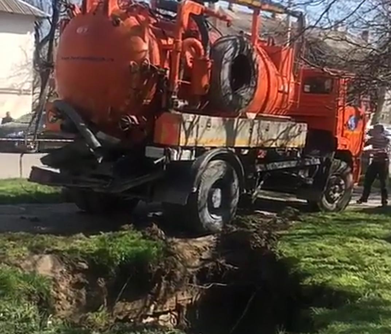 """""""Оранжевый пленник» провел в заточении более четырех часов в Новороссийске"""