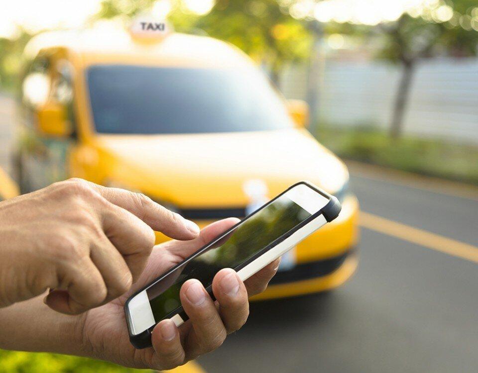 """""""А вы можете отменить заказ?"""", - «хитрости» таксистов известных мобильных приложений"""