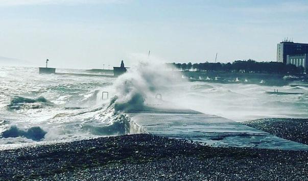 Штормовой ветер возвращается в Новороссийск