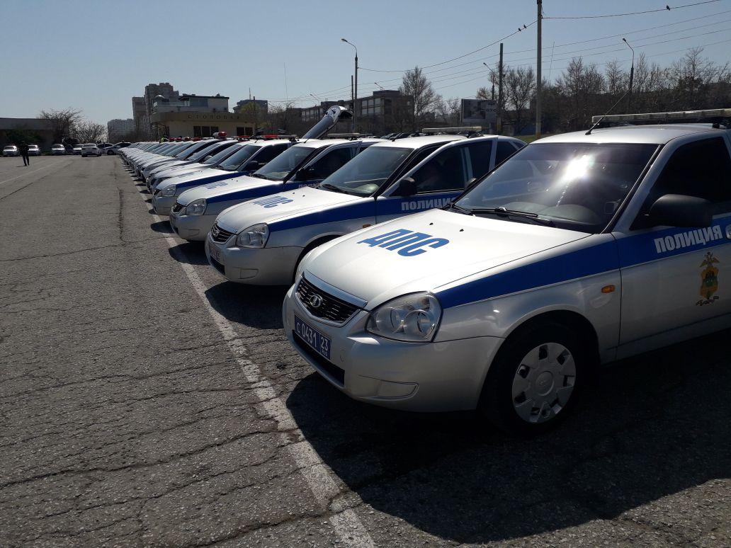 Нашествие автомобилей ГИБДД наблюдали жители Новороссийска