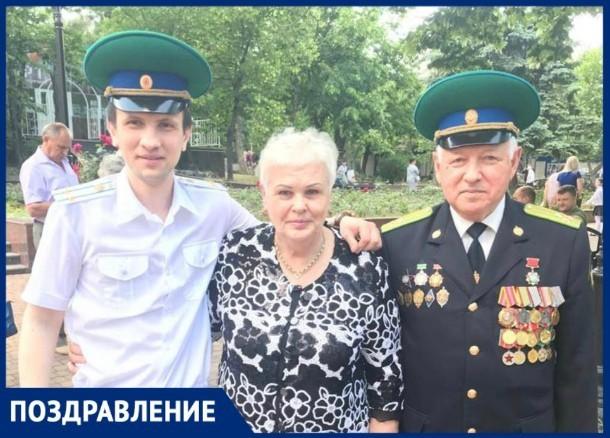 Семья Корсуворовых отмечает сегодня свой профессиональный праздник