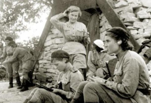 """Новороссийск 75 лет назад: поддержать наших солдат прилетели «Ночные ведьмы"""""""