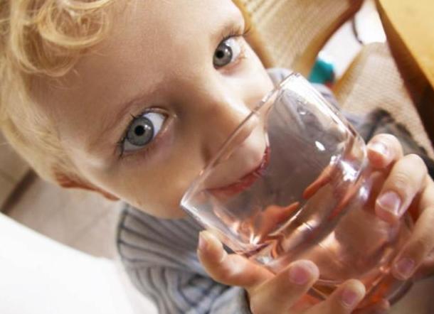 Доступна ли питьевая вода школьникам Новороссийска?