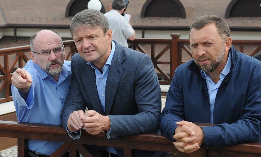Мантуров готовит конкурента Ткачеву и порту Новороссийска, - такие слухи ходят в деловых кругах