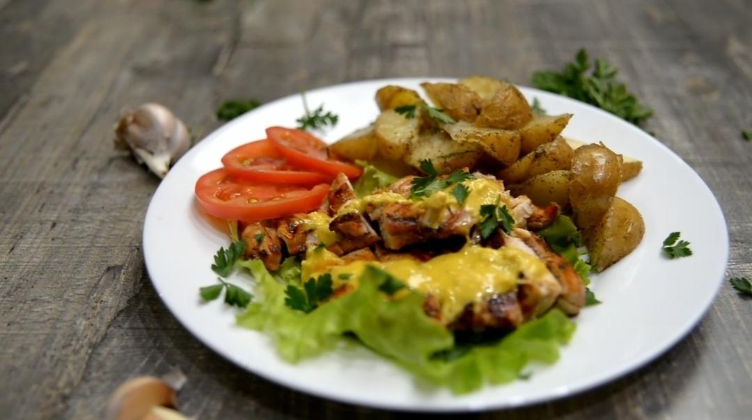 Готовим дома: курица с картошкой под секретным соусом