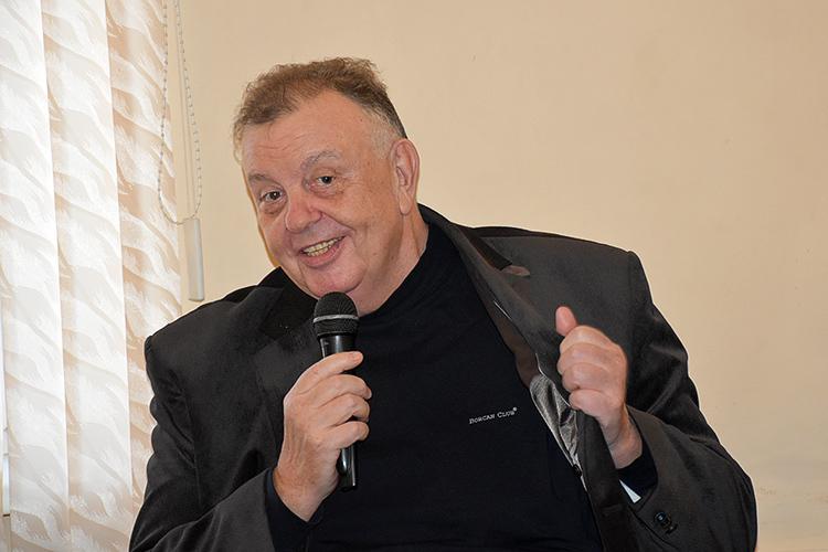 Поздравляем с высокой наградой коллегу – Владимира Бурлакова, редактора газеты «Новороссийский рабочий»!