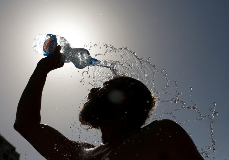 Об аномальной жаре предупредили новороссийцев экстренные службы