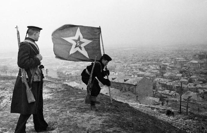 Календарь: 11 апреля 1944 советские войска освободили город Керчь