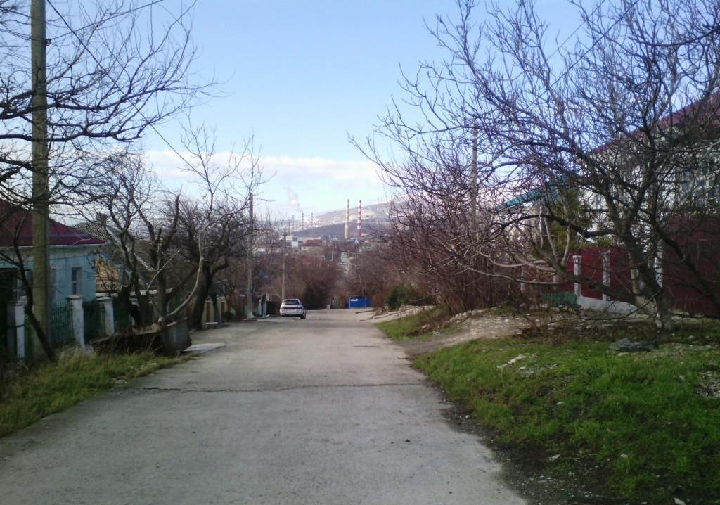 Обнаженную женщину бросили умирать в безлюдном месте Новороссийска