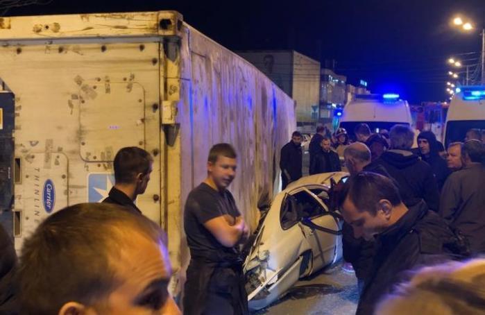 Водитель контейнеровоза был под кайфом - подробности трагедии на Видова в Новороссийске