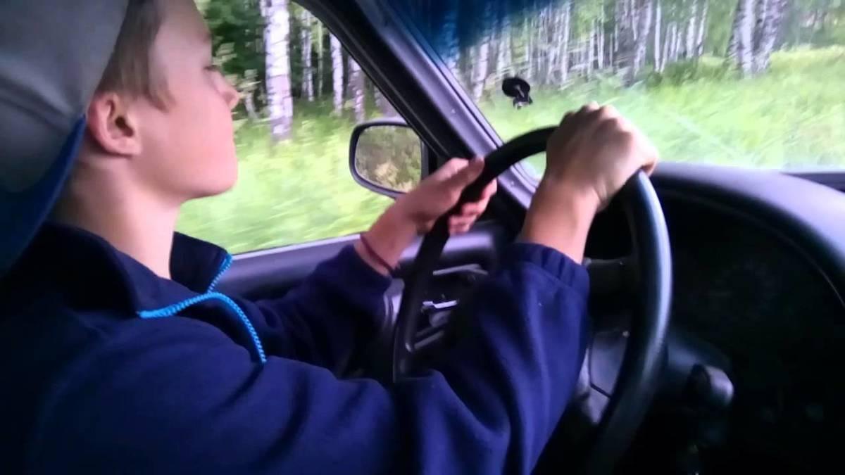МВД разрешило подросткам водить авто