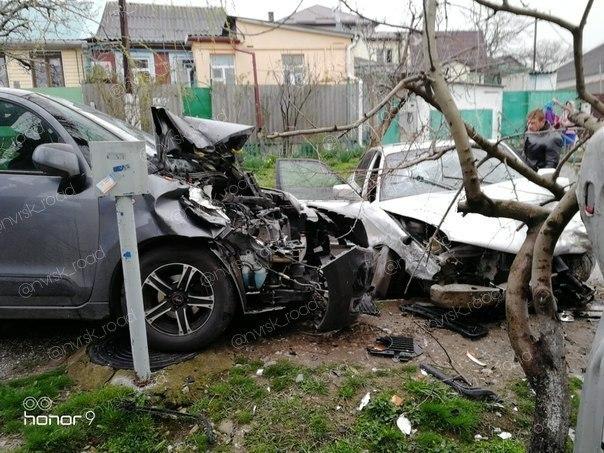 Четыре автомобиля раскурочило в результате ДТП на окраине Новороссийска