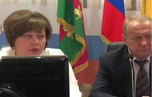 Вопросы о бюджете Новороссийска заставили нервничать заместителя мэра